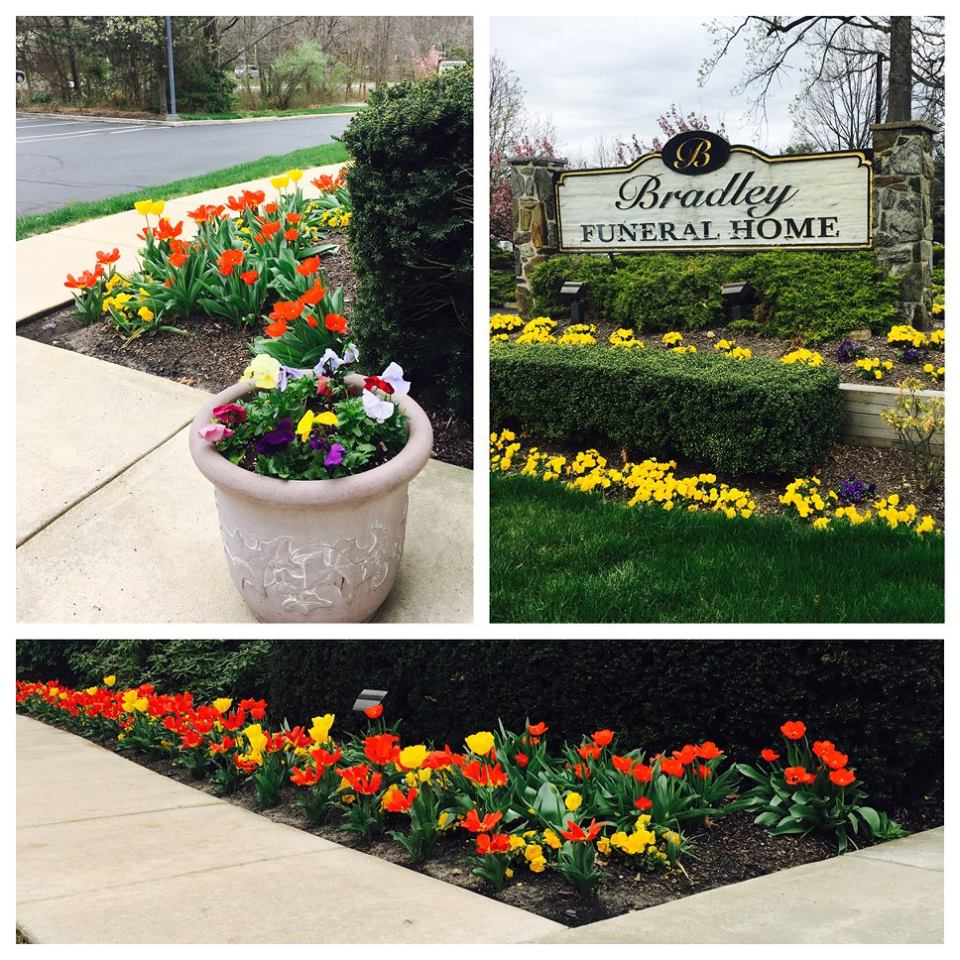10 amazing funeral home gardens we love - Garden Oaks Funeral Home