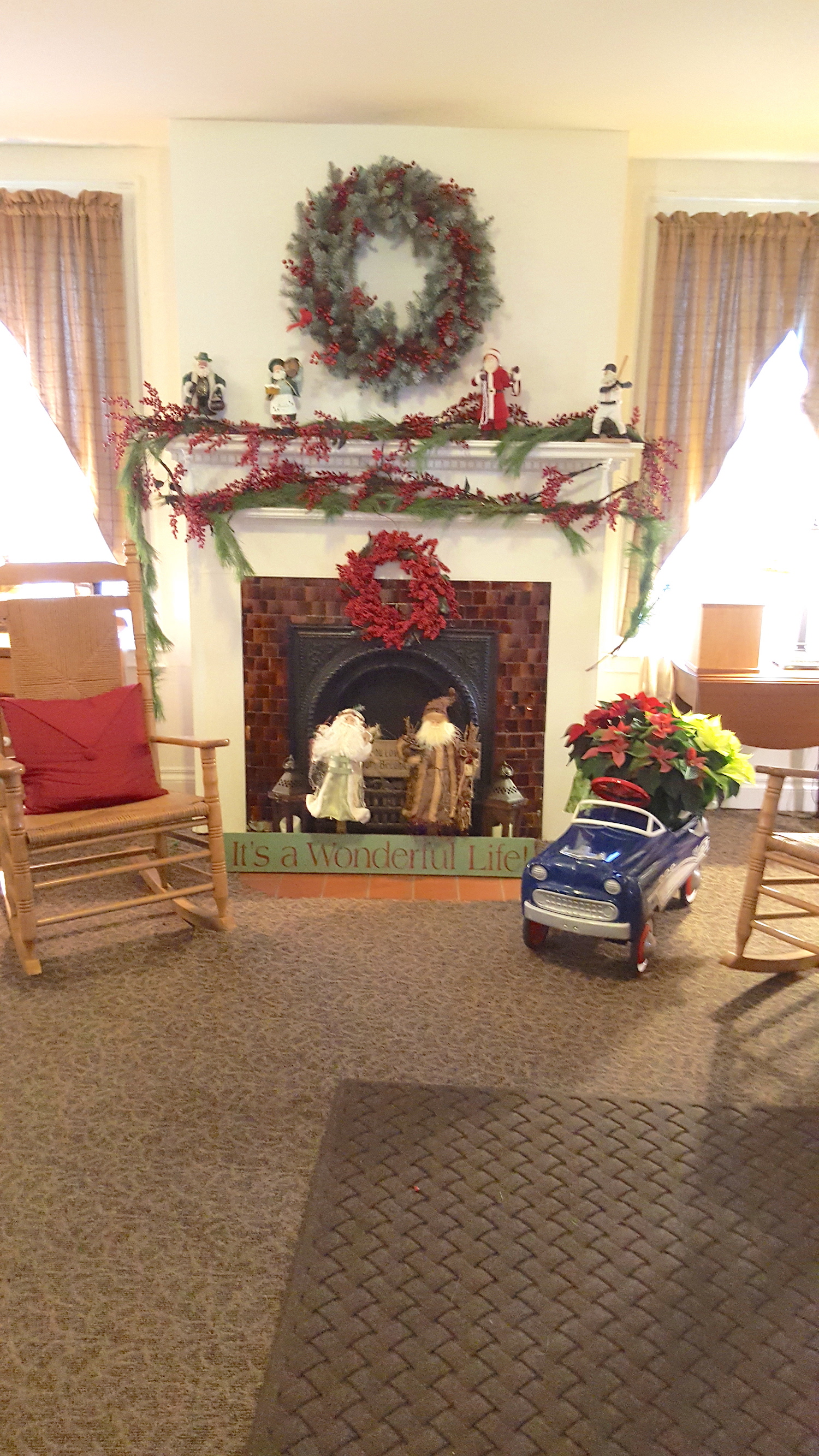 22 Funeral Homes Making The Holidays Brighter For Their Communities